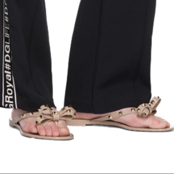 42b9eb96b Valentino Garavani Rockstud Bow Sandals. M 5c4a4472aaa5b844a6e5b5b2